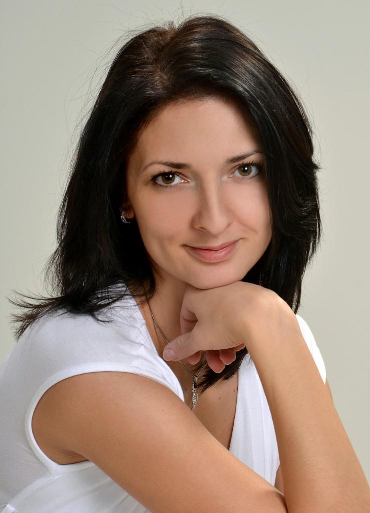 Dr. Dalmadi Lilian